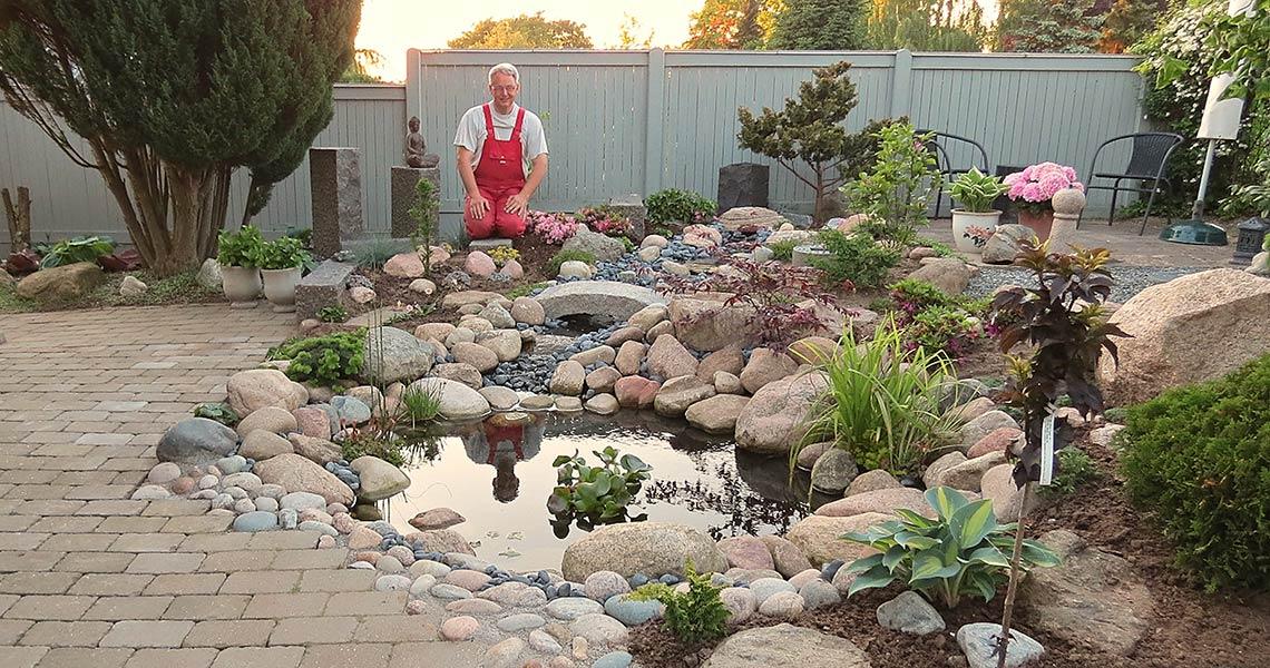 Sten og vand i haven - Kirketoft Anlæg og Belægning i Viborg